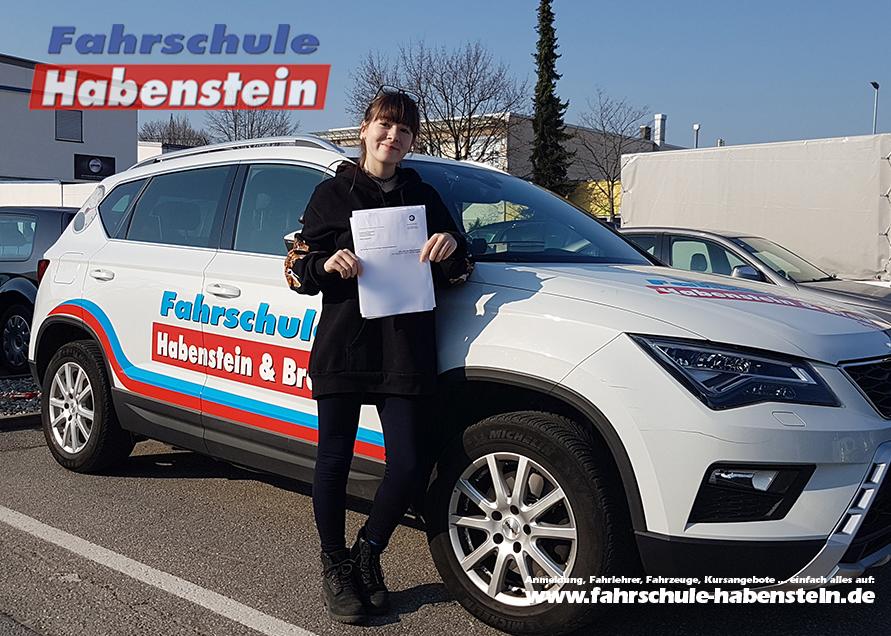 fahrschule-in-bad-endorf-halfing-rosenheim-schechen-autofuehrerschein-mit17-schnellkurs