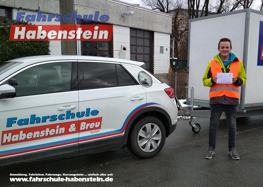 fahrschule-in-rosenheim-anhaengerfuehrerschein-fuehrerschein-be-pferde-anhaenger-wohnwagen