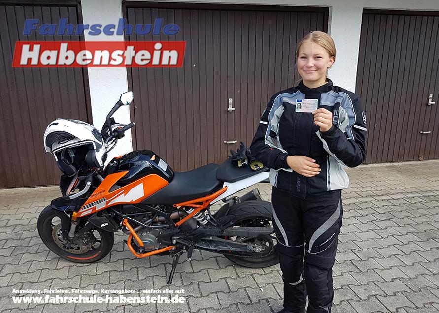 fahrschule-in-rosenheim-autofuehrerschein-motorradfuehrerschein-ktm-kawasaki-motorrad