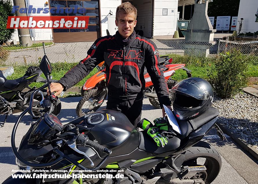 fahrschule-in-rosenheim-bad-endorf-halfing-motorradfuehrerschein-kawasaki
