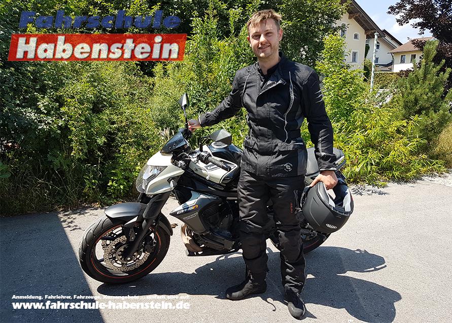 fahrschule-in-rosenheim-wasserburg-amerang-halfing-bad-endorf-motorradfuehrerschein-klasse-a-unbeschraenkt
