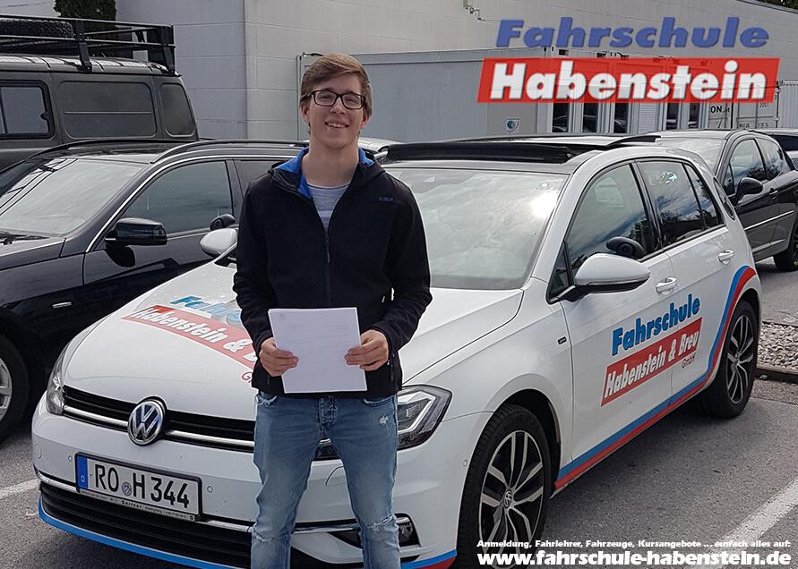 Herzlichen Glückwunsch zur bestandenen Führerscheinprüfung liebe Florian!