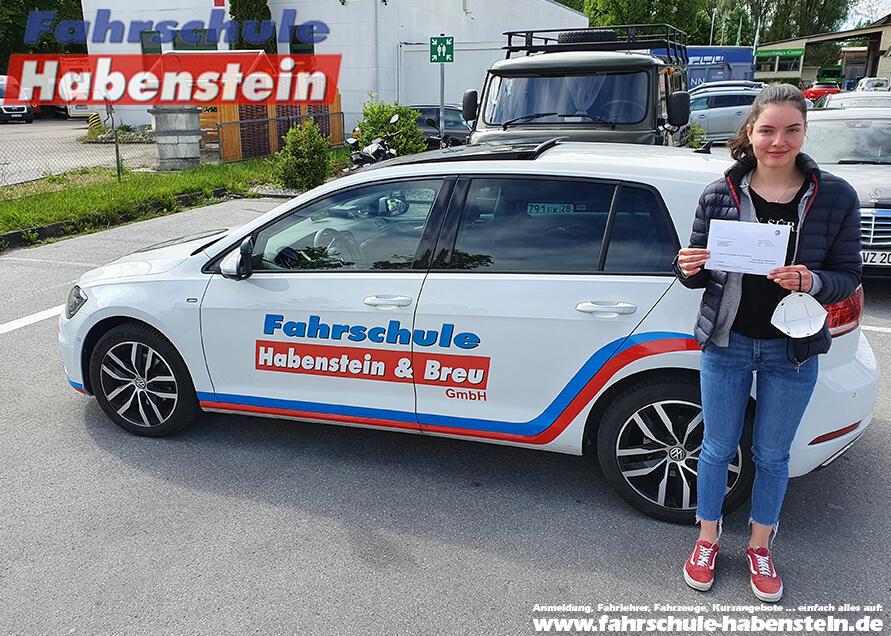Herzlichen Glückwunsch zur bestandenen Führerscheinprüfung liebe Johanna!