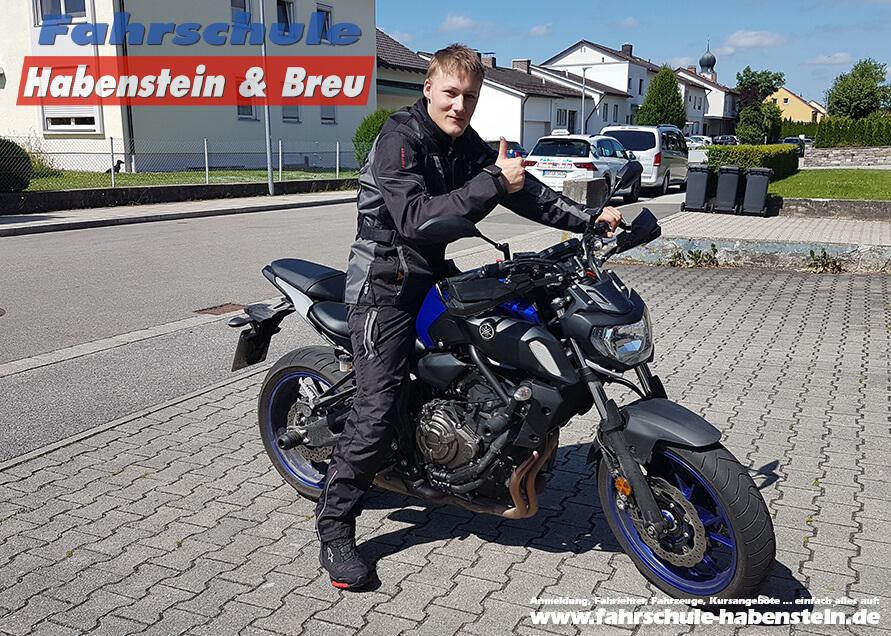Herzlichen Glückwunsch zur bestandenen Führerscheinprüfung lieber Daniel! Fahrschule - Rosenheim - Auto