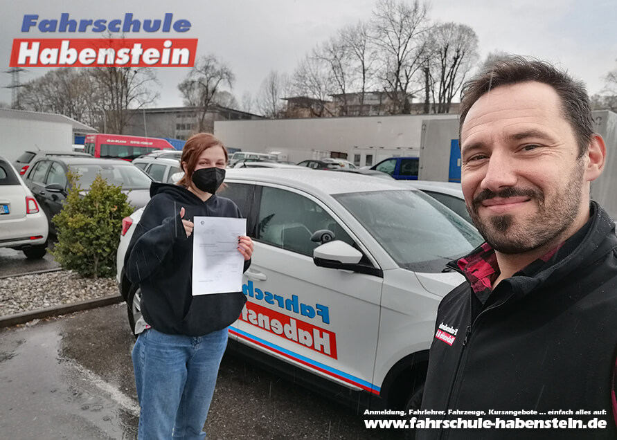Herzlichen Glückwunsch zur bestandenen Führerscheinprüfung lieber Emily!