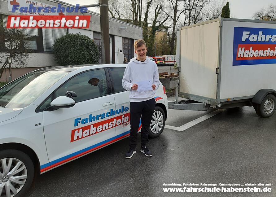 Herzlichen Glückwunsch zur bestandenen Führerscheinprüfung lieber Fabian!