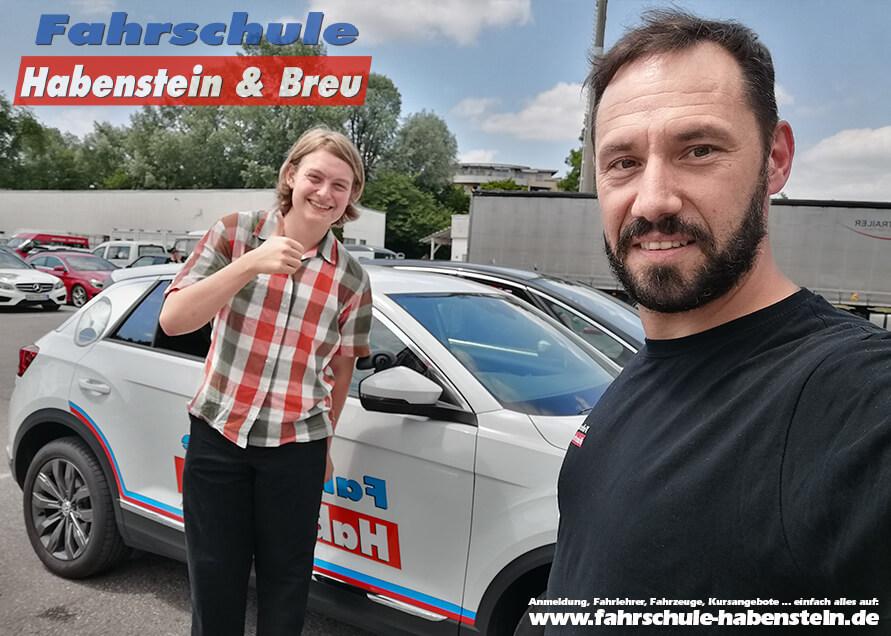 Herzlichen Glückwunsch zur bestandenen Führerscheinprüfung lieber Isidor! Führerschein - B197 - Fahrschule