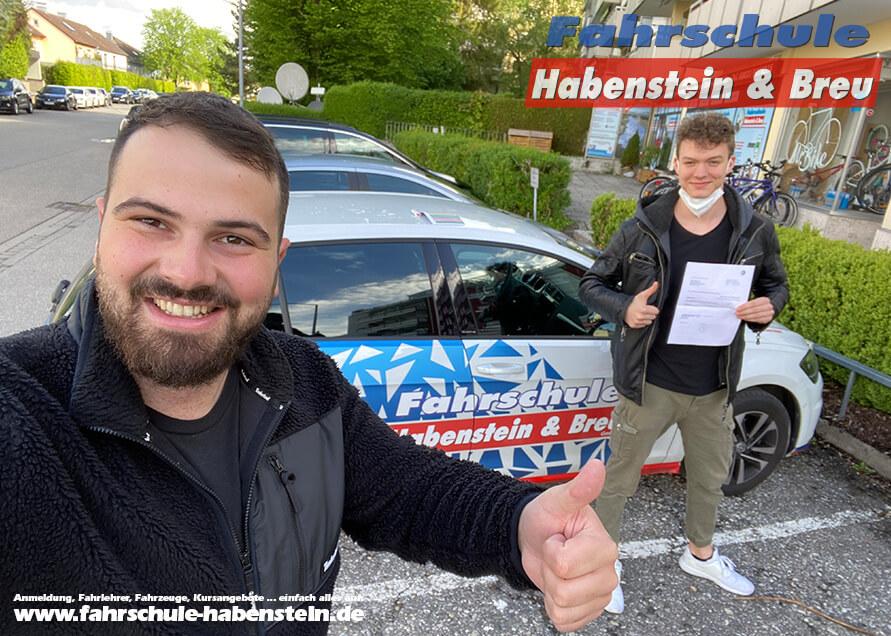Herzlichen Glückwunsch zur bestandenen Führerscheinprüfung lieber Leonard! Fahrschule - Rosenheim - Auto