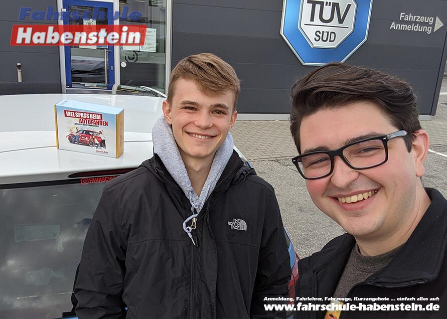 Herzlichen Glückwunsch zur bestandenen Führerscheinprüfung lieber Sebastian!