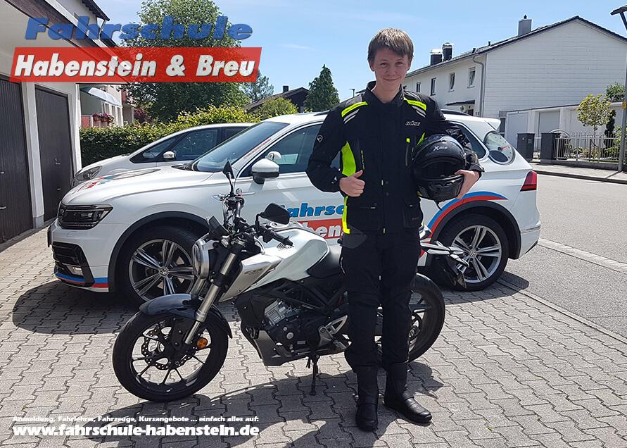 Herzlichen Glückwunsch zur bestandenen Führerscheinprüfung lieber Simon! Fahrschule - Rosenheim - Auto