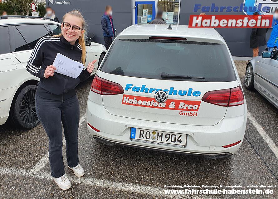 Herzlichen Glückwunsch zur bestandenen Führerscheinprüfung lieber Sophia!