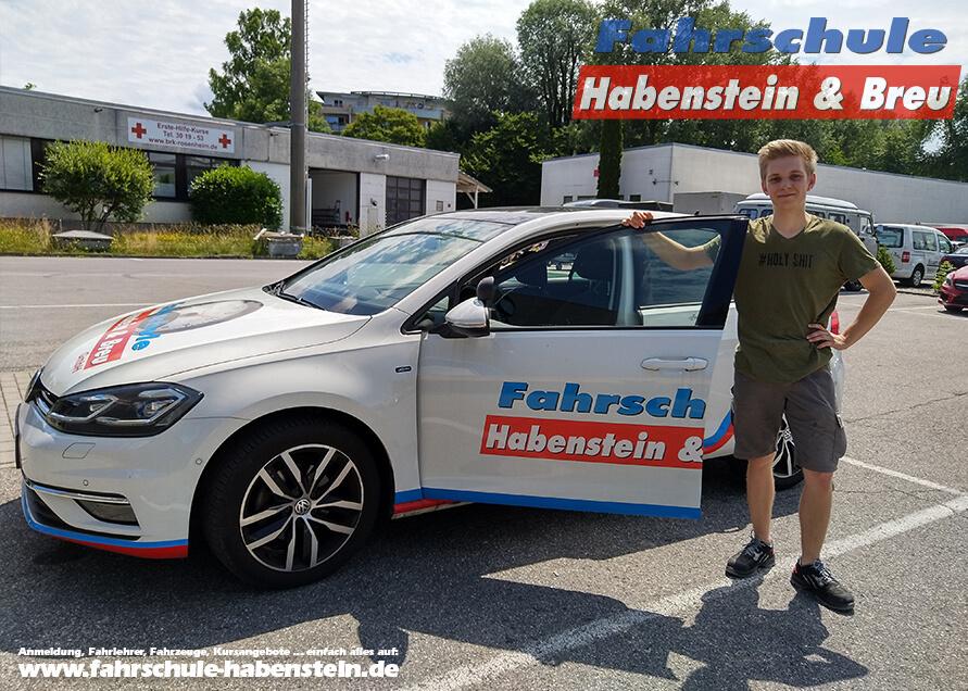 Herzlichen Glückwunsch zur bestandenen Führerscheinprüfung lieber Tobias! Führerschein - VW - Fahrschule