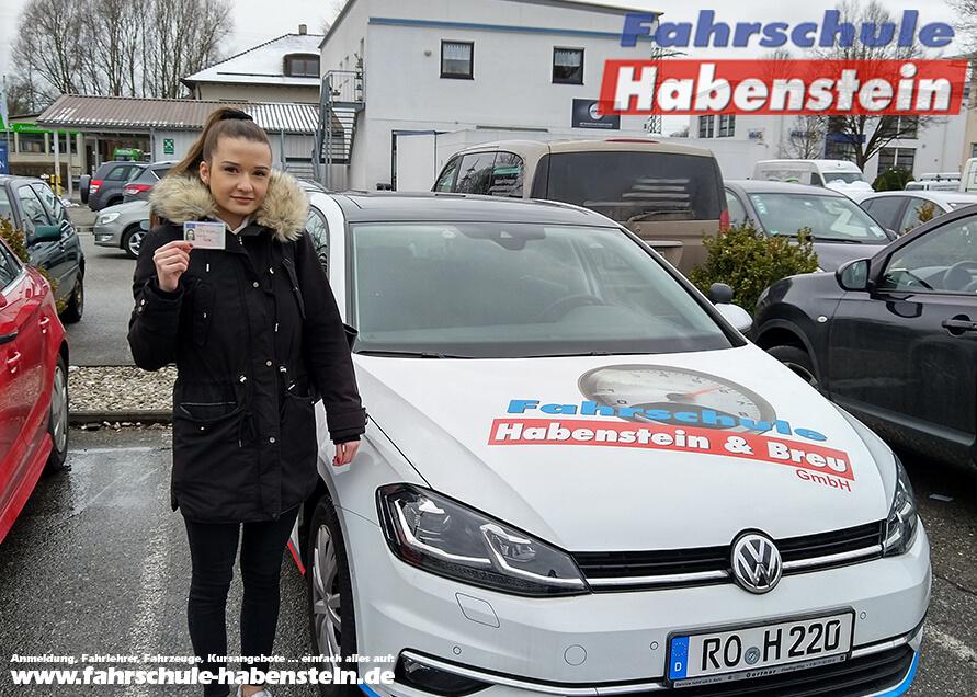 Herzlichen Glückwunsch zur bestandenen Prüfung Laura! Führerschein - Rosenheim - Klasse B
