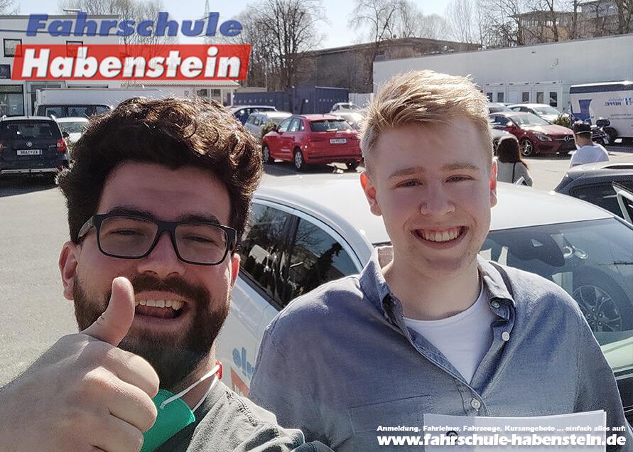 Herzlichen Glückwunsch zur bestandenen Prüfung Niklas! Führerschein - Rosenheim - Klasse B