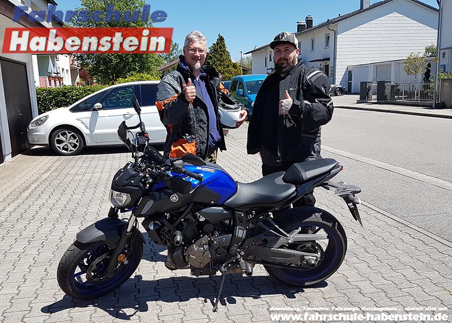 Herzlichen Glückwunsch zur bestandenen Prüfung lieber Heinz und Florian! Fahrschule Habenstein und Breu GmbH